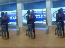 A cantora Kátia Agy deu um beijo ao apresentador mais fofo da África Austral, Fred Jossias em directo no programa Batidas, da TV Sucesso.