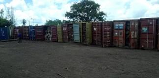 Pelo menos 2.080 metros cúbicos de madeira, transportados em 65 contentores e sem nenhuma cobertura documental, foram ontem apreendidos no distrito de Dondo