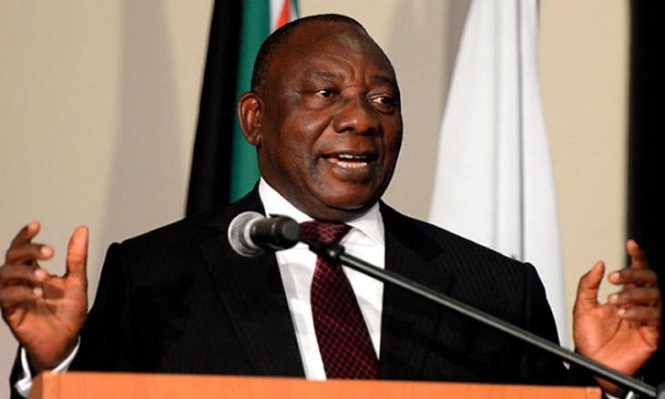 Cyril Ramaphosa que foi hoje eleito presidente da África do Sul, já tomou posse.O ANC exigia que Zuma se demitisse, o que chegou a acontecer ontem