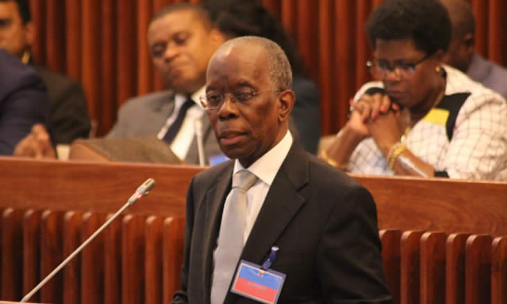 Os Dirigentes, Governantes e Funcionários do Estado no activo não serão afectados pelas medidas de contenção de despesa pública