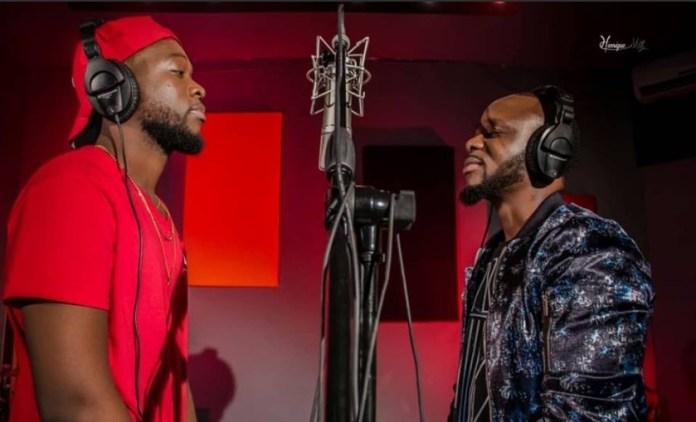 Os músicos Mr Bow e Hot Blaze estão em estúdio para gravar uma música. A notícia foi tornada pública por Bow através das redes sociais