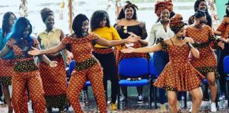 Um grupo de jovens cantoras organizou esta quarta-feira uma celebração antecipada do Dia da mulher moçambicana com as prisioneiras da Cadeia Feminina de Ndlavela.