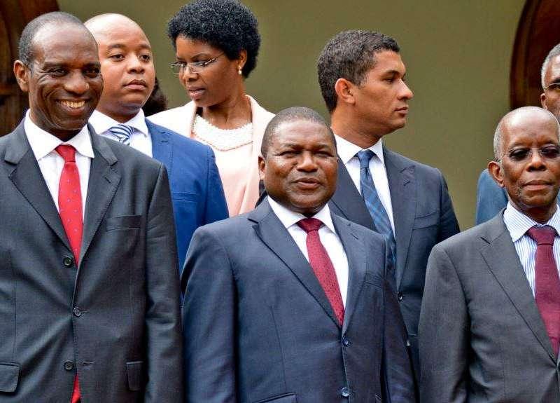 """O Governo de Moçambique decidiu realizar o """" funeral oficial"""" do líder da Renamo e membro do Conselho de Estado em data a decidir pela família."""