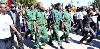 A Renamo diz que vai continuar com o diálogo iniciado pelo seu presidente, Afonso Dhlakama, com Filipe Nyusi, até à integração dos seus militares