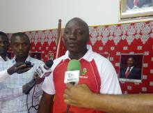 As vítimas são membros e simpatizantes do partido Frelimo que se encontravam a colar cartazes desta formação política.