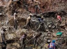 """Pelo menos 10 garimpeiros ficaram soterrados na manhã de hoje devido a um desabamento de terra ocorrido numa área de mineração """"ilegal"""""""