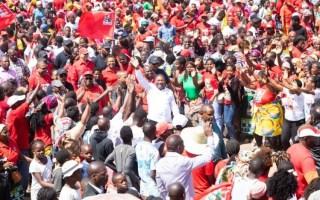 Filipe Nyusi convidou ainda o eleitorado a ir votar no dia 15 de Outubro para que não haja dúvidas da sua vitória e do seu partido.