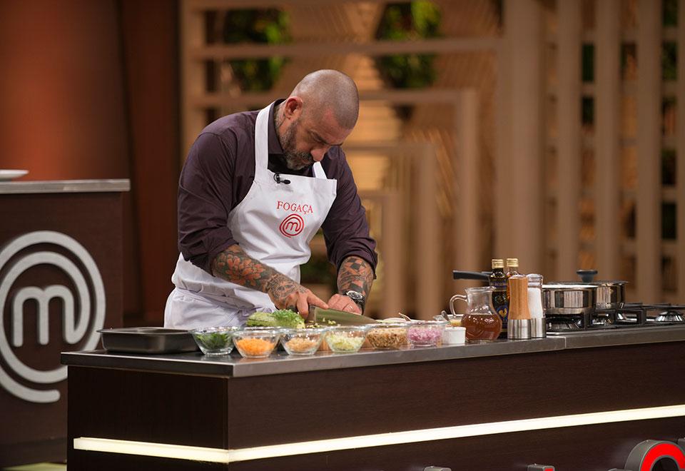 MasterChef: aprenda a receita de barriga de porco com cuscuz, prato vencedor da semana (17/04)