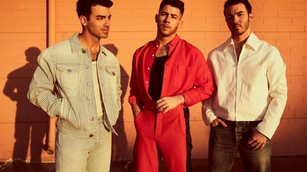 Novo álbum do Jonas Brothers será anunciado nas próximas semanas, revela Nick