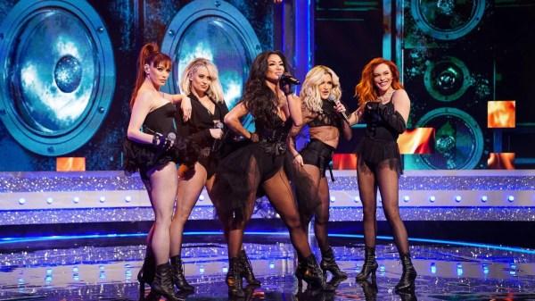 """Pessoas reclamam de performance """"sensual demais"""" do Pussycat Dolls em programa de TV"""