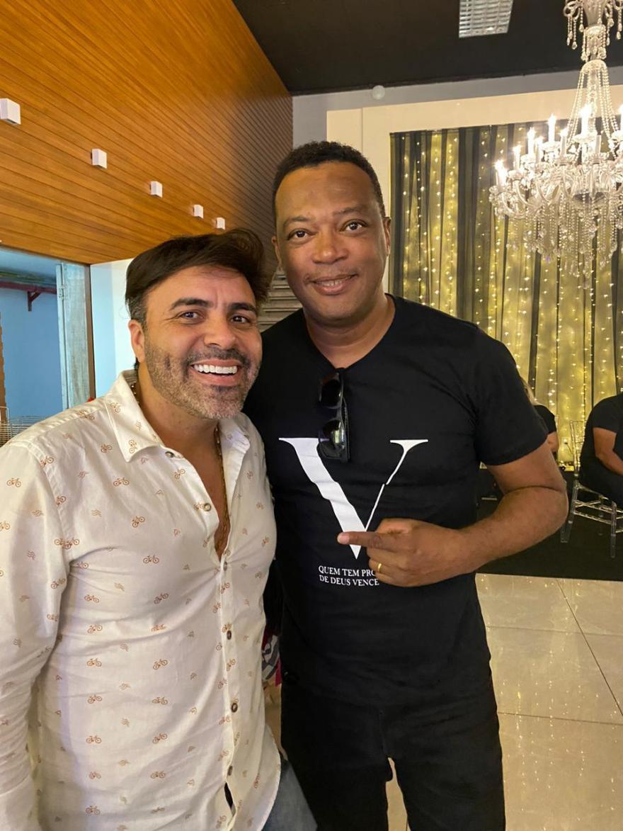 Rodrigo Oliver recebe convite para apresentar Live dos Artistas