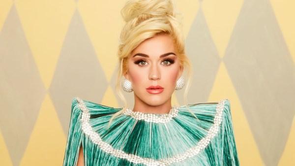"""Katy Perry pode finalizar a era""""Smile"""" no palco do American Music Awards"""