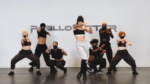 """Pabllo Vittar lança video com coreografia oficial de seu novo single """"BANDID*"""""""