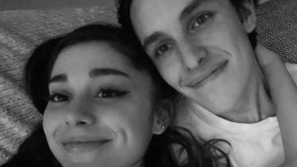 Ariana Grande e o noivo Dalton Gomez (Foto: Reprodução/ Instagram)