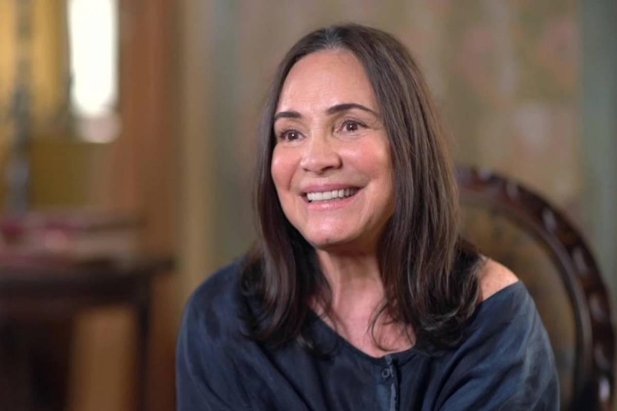 Sem embasamento científico, Regina Duarte diz que vacina não serve para nada