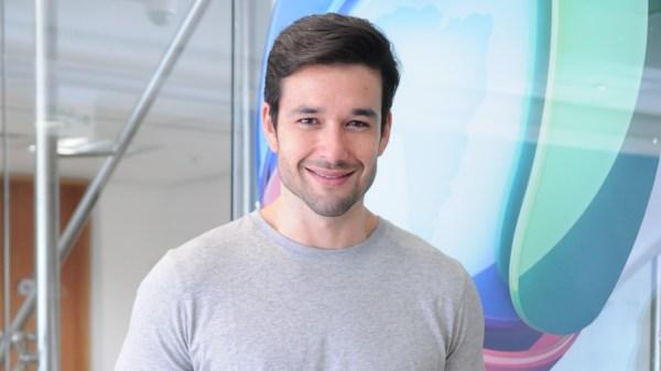 Sérgio Marone assina com SBT para comandar reality culinário de sabotagem