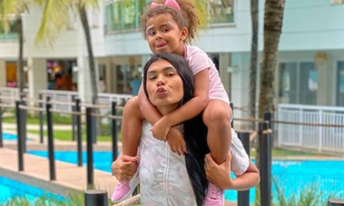 Pocah e filha Vitória - Imagem: Reprodução