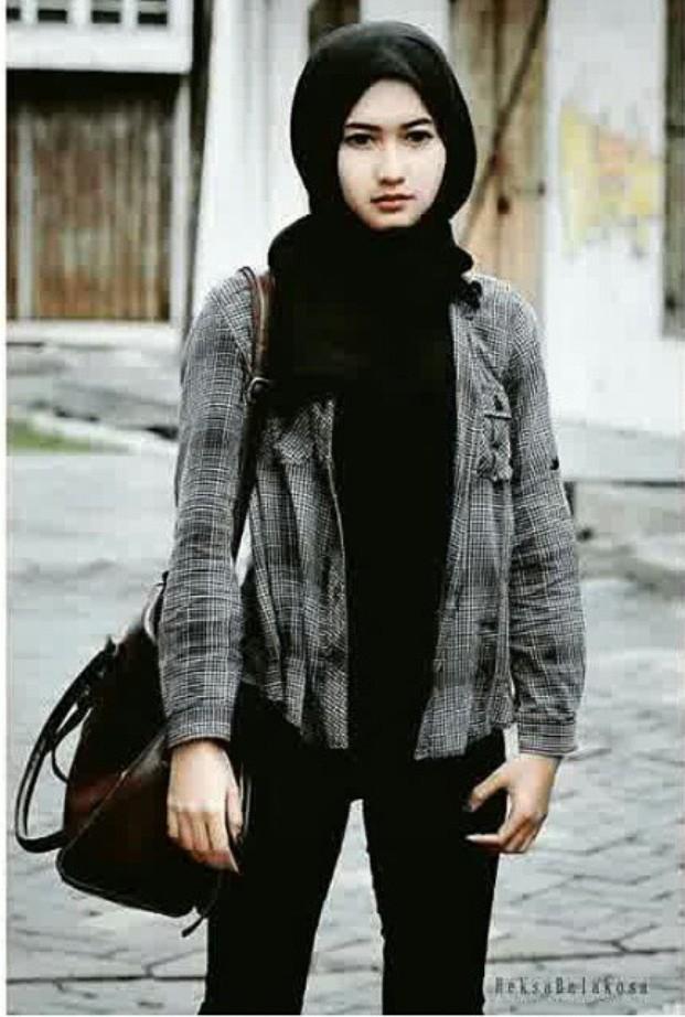 Fatimah Ratna Mutiara, Pend. Bahasa dan Sastra Indonesia 2011