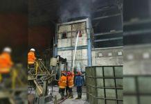 Trafo Milik Pabrik Baja Terbakar