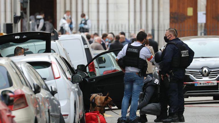 Politisi Prancis 'sama bersalahnya' atas meningkatnya ketegangan, kata penduduk Muslim Nice
