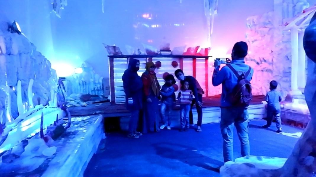 Gelar Beragam Atraksi, Istana Es Atlantis Land Masih Menjadi Primadona