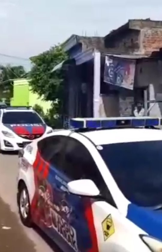 SALING BERBAGI POLISI BAGI SEMBAKO USTADZ BAGI DOA UTK