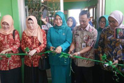 Upaya Promosi dan Perkuat Branding IKM, Pemkab Sampang Buka Gerai di Pasar Margalela