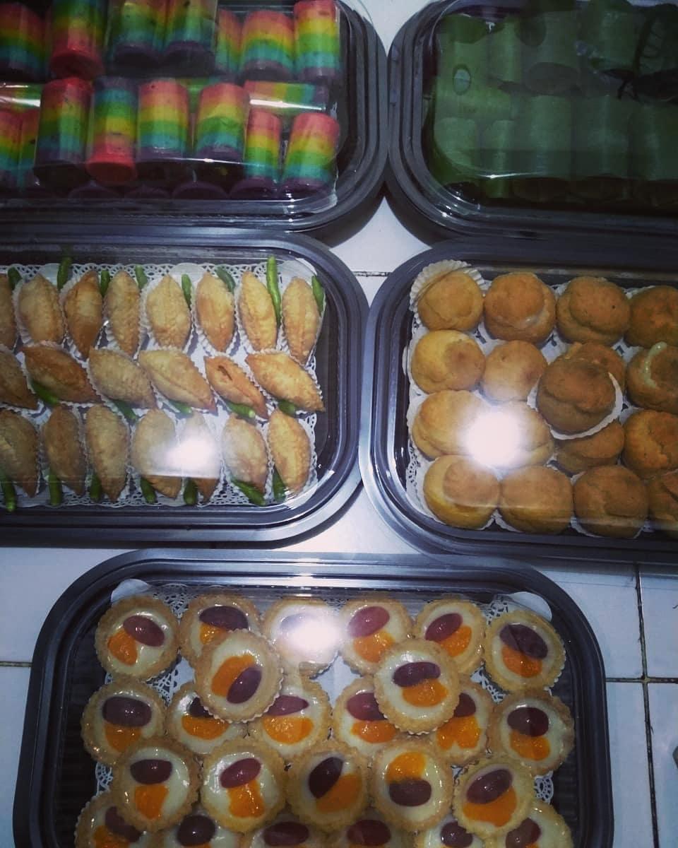 Kue mini nampan  #kuenampansidoarjo #snackboxsidoarjo #kuetampahsidoarjo #kuekot...