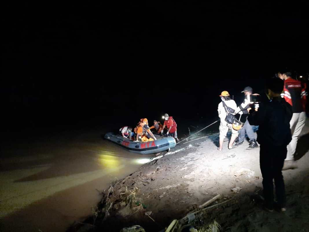 Madiun Geger, Ditemukan Mayat Perempuan Mengapung di Bengawan