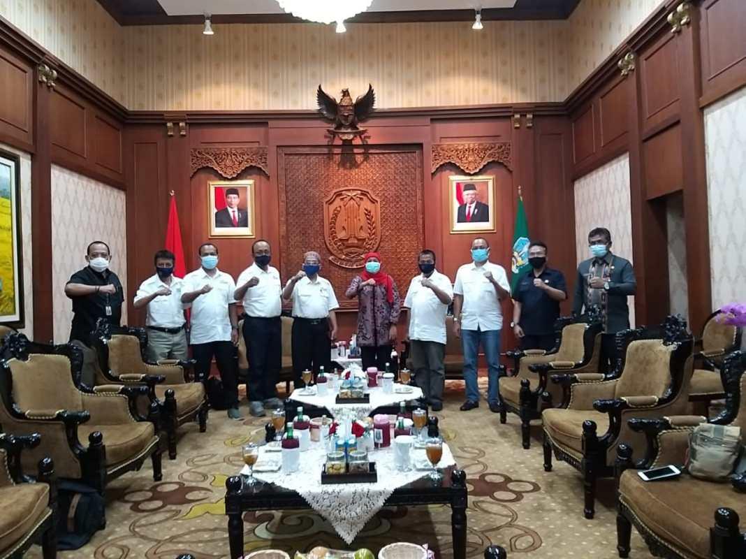 Siap Kucurkan Anggaran, Gubernur Khofifah Berjanji Memfasilitasi Pengembangan SDM Anggota SMSI Jawa Timur