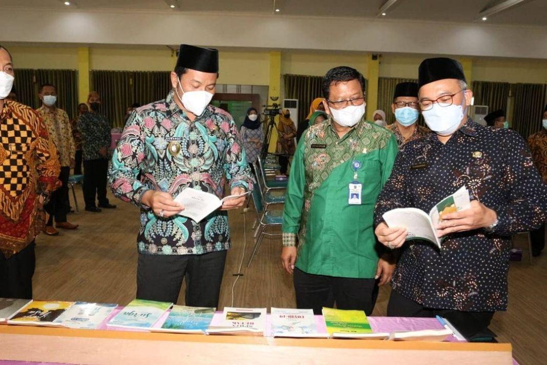 Kanwil Kementerian Agama Provinsi Jawa Timur Beri Penghargaan Kabupaten Sidoarjo   KOMINFO,Sido…