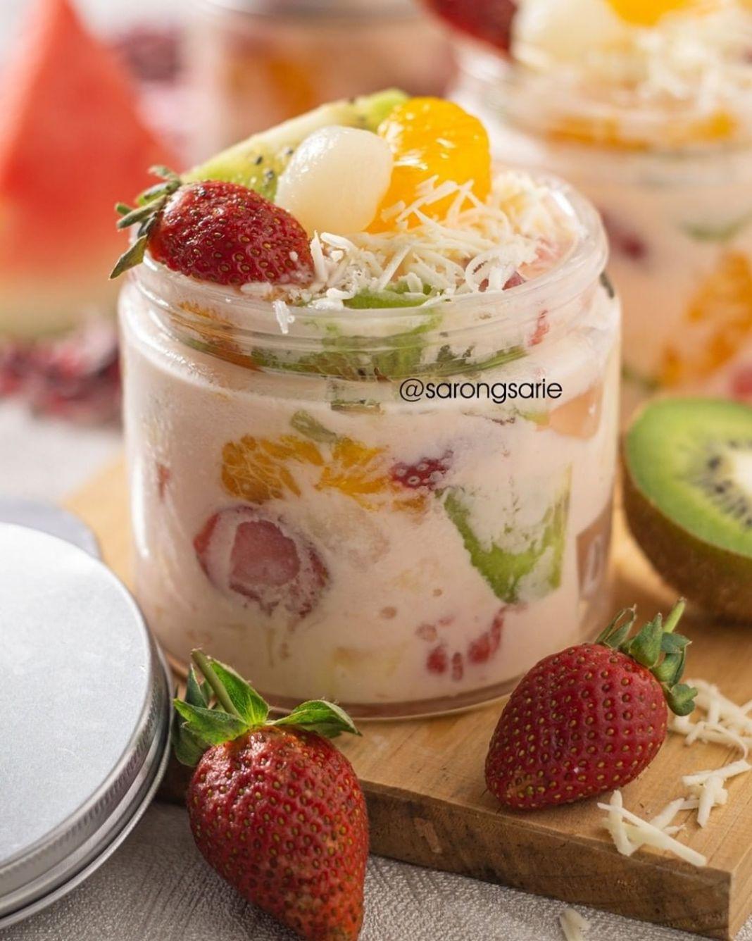 Info kuliner, Seger nih buka puasa pake salad! Bikin sendiri yuk, di rumah!  Bahan Mayo: – 2 saset susu kenta…