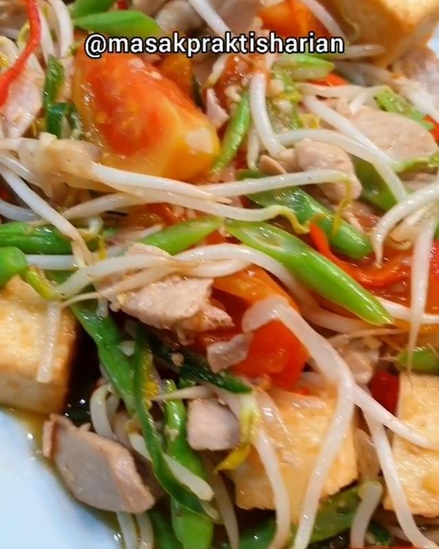 Info kuliner, Tauge Buncis Tuna Belom perna coba tuna ditumis kan? Bikin yuk skrg Bahan: Tuna (dimarinasi den…