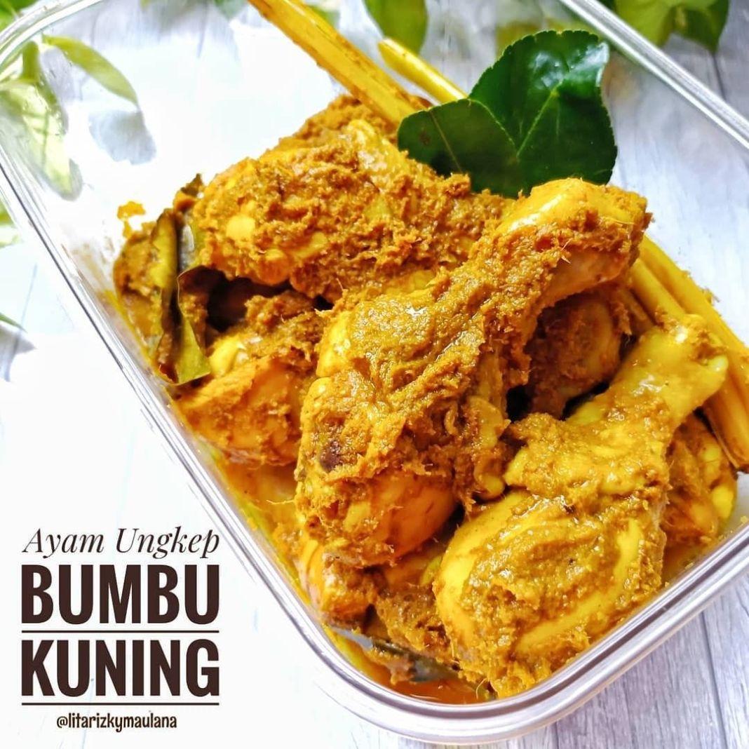 Info kuliner, Ayam Ungkep Goreng Bumbu Kuning Menu yang selalu cocok serta enak  Bahan : 1 ekor ayam, potong 10…