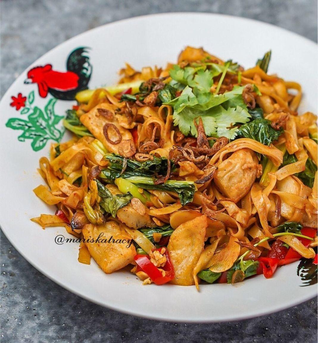 Info kuliner, Kwetiaw Goreng Tomyam Bikin kwetiaw ala-ala yang rasanya beda dari biasanya  Bahan: 1. 200 gram…