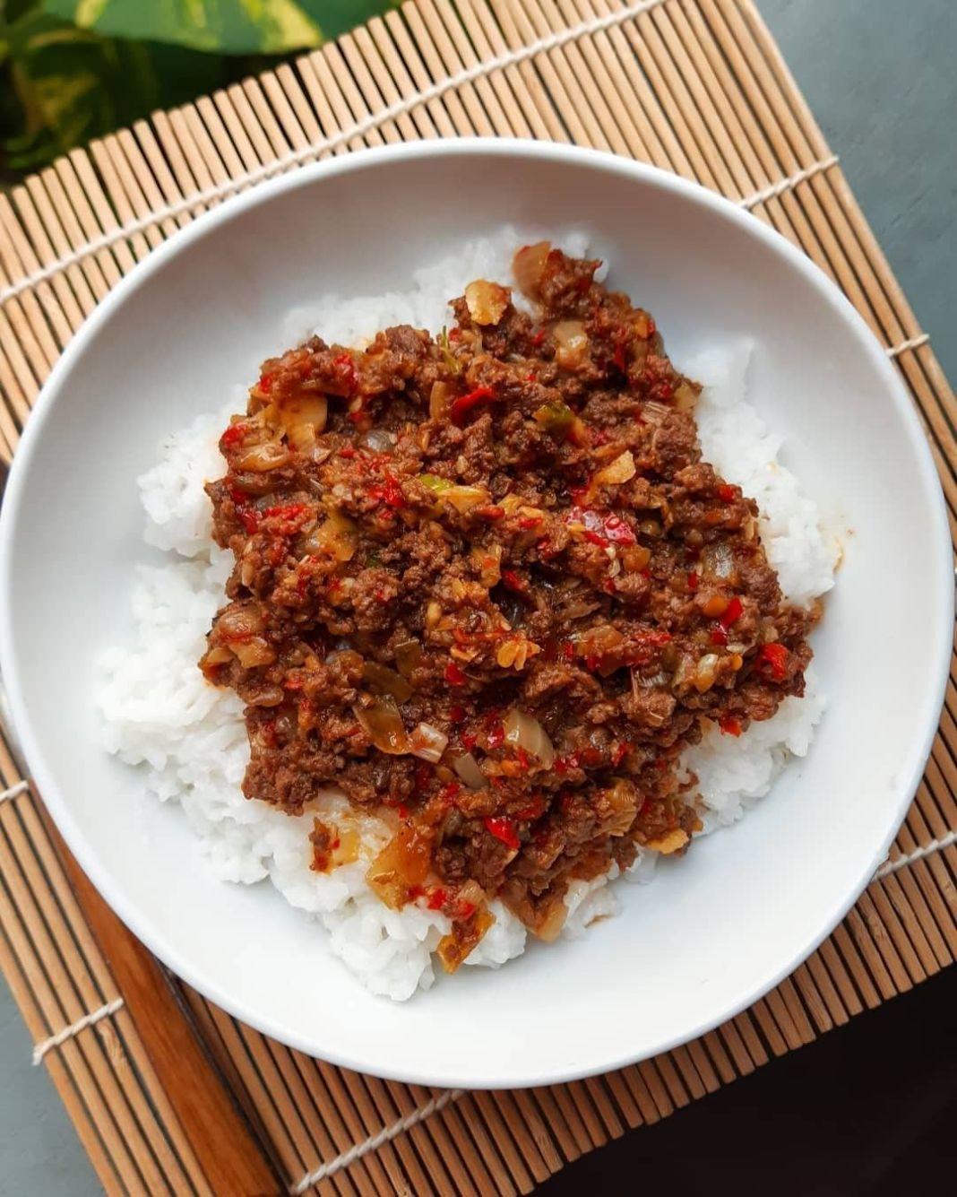 Info kuliner, SAMBAL DAGING Menu pelengkap nasi putih hangat, sedapnya..  Daging Cincang 250gr Cabe Rawit Mer…