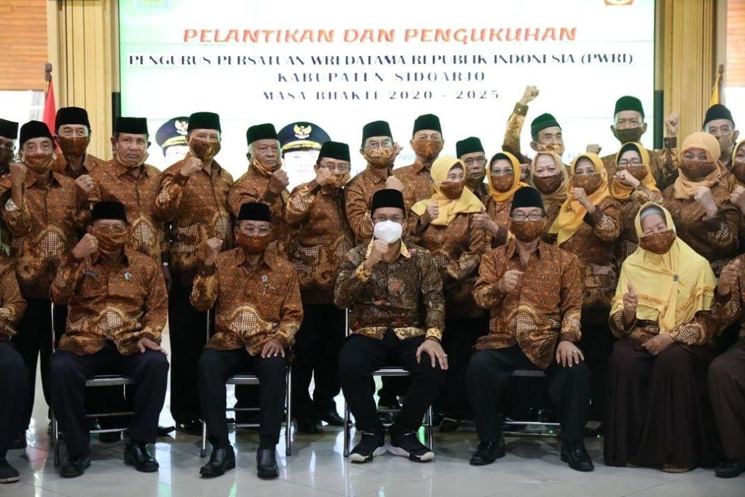 Jabat Ketua Wredatama, Mantan Wakil Bupati Pak Tjip Dukung Gus Muhdlor Majukan Sidoarjo  KOM…
