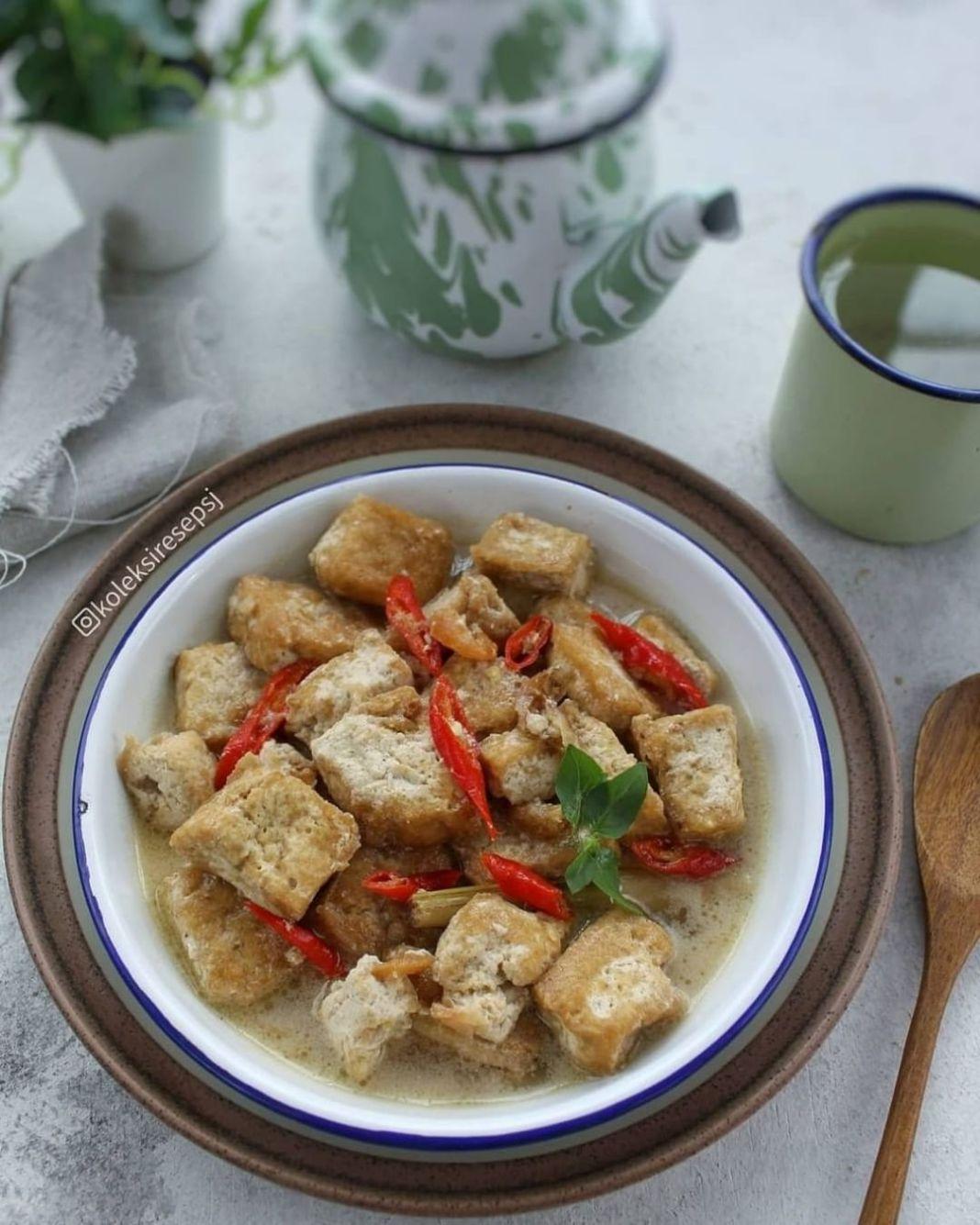 Info kuliner, GODOG TAHU by@koleksiresepsj . Bahan: 2 SDM minyak untuk menumis 8 butir bawang merah, iris 2 …