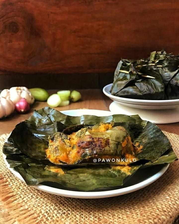 Info kuliner, PEPES IKANGABUS by@pawonkulo  Bumbu pepes dalam resep ini hanya menggunakan 1 cabai merah ker…