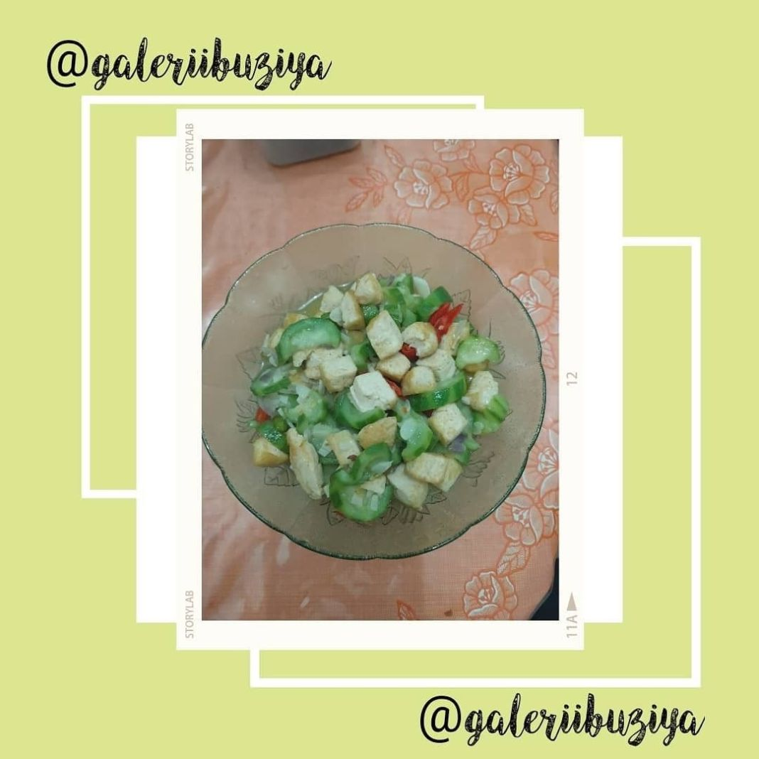 Info kuliner, TUMIS TAHU OYONG  Suka makan oyong tp baru pertama kali masaknya   Bahan: – 1 buah oyong dibers…