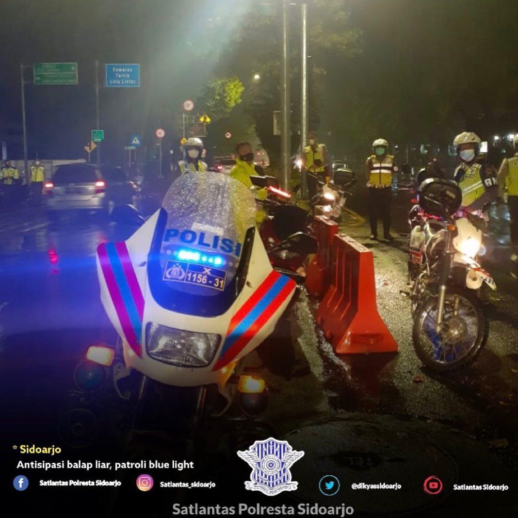 Patroli blue light, cegah balap liar  Sidoarjo, untuk mencegah balap liar diwilayah Sidoarjo an…