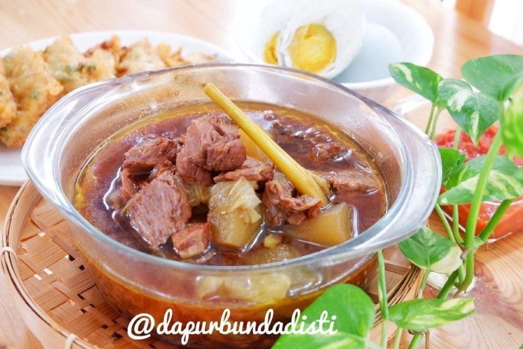 Info kuliner, RAWON DAGING SAPI . .  Bahan Utama . 500gr Daging Sapi Bagian Sengkel,potong sesuai selera 1 bu…