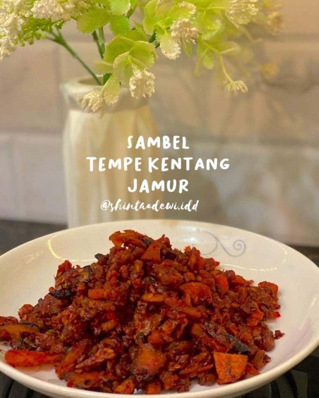 Info kuliner, uda pernah belum nyambel pake jamur ?? • • • biasa sambel gini ditemuinya di tempat makanan yg …