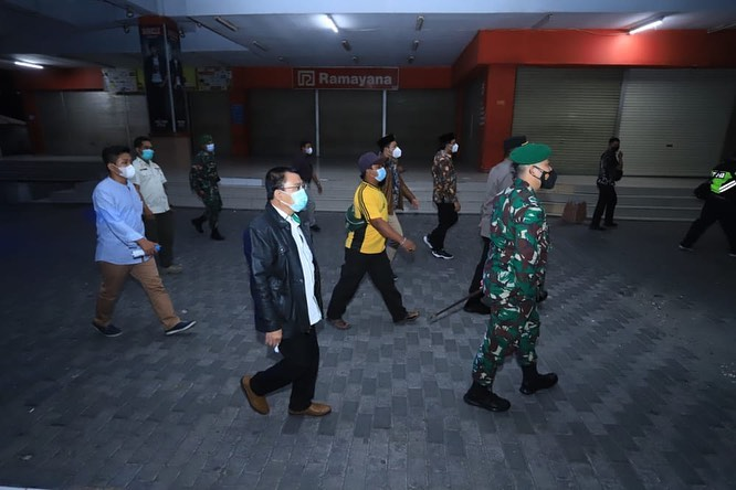 Bupati, Wakil Bupati serta jajaran Forkopimda Kabupaten Sidoarjo melakukan sidak di beberapa temp…