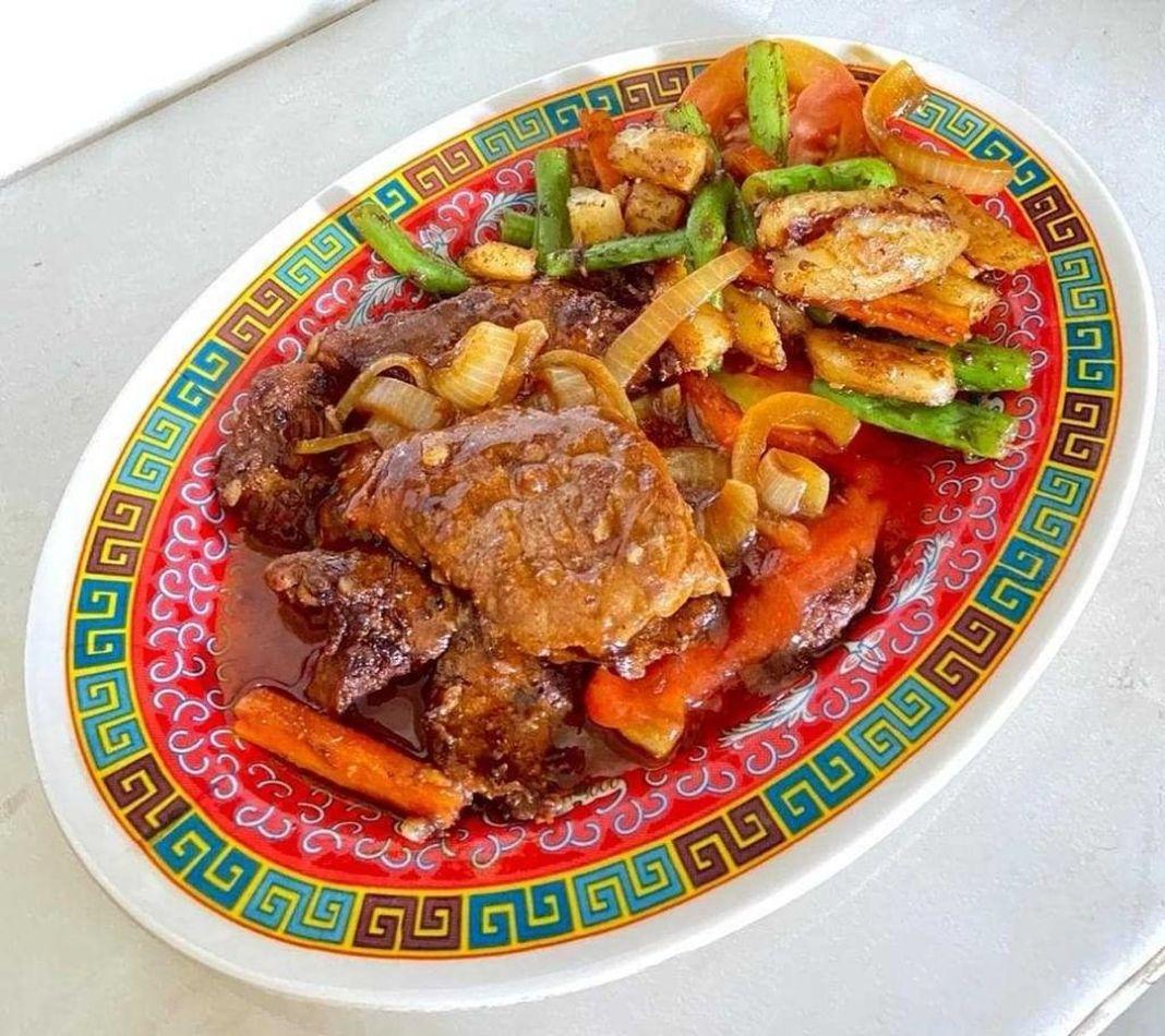 Info kuliner, Sapi lada hitam  Bahan bahan :  – Daging Sapi 500 gram – Bawang putih 4 siung – Bawang bombay 1…