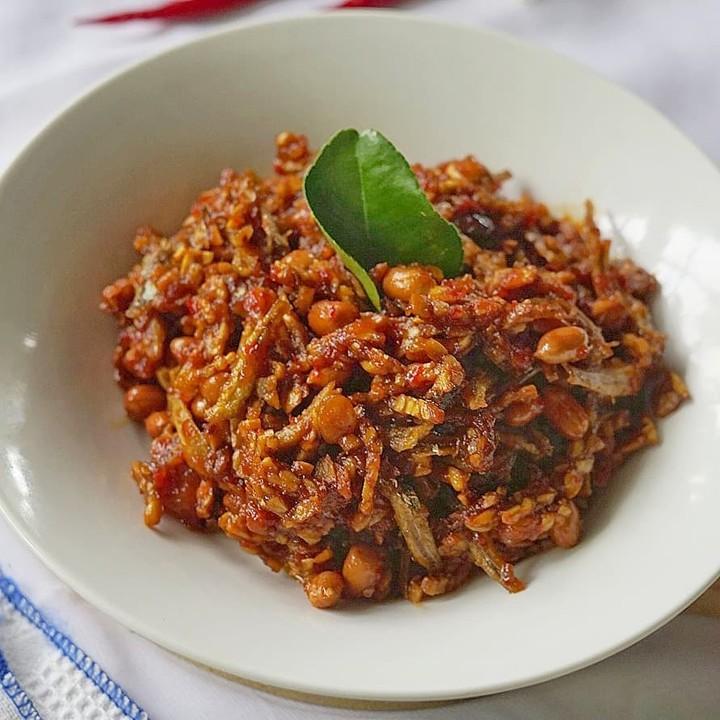 Info kuliner, Kering Tempe+kacang+teri   Bahan: 1 papanTempe uk kecil 200 gram kacang tanah 150 gram teri Med…