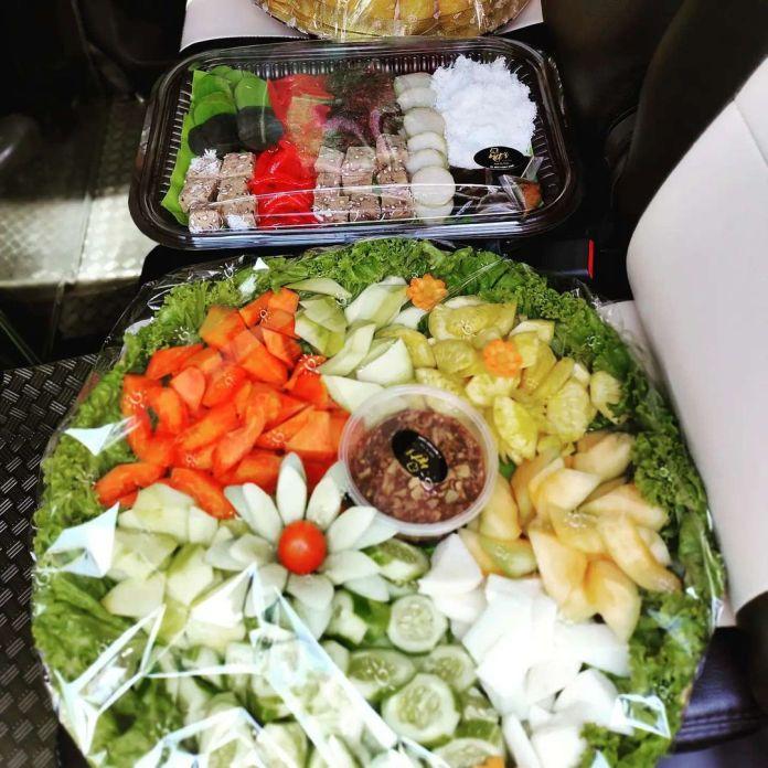 1629736491 17 Paket Komplit Nasi tumpeng Rujak tampah Tampah cemilan gorengan