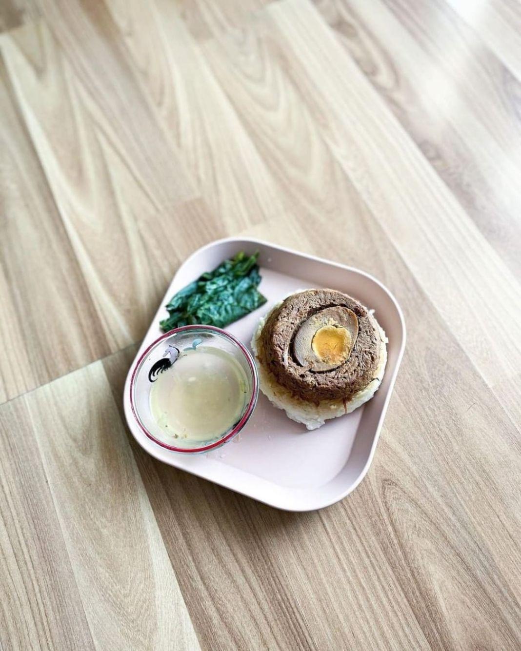 Info kuliner, Resep Nasi Tim Ayam Jamur  Bahan: (untuk 2 porsi) 100gr gr paha ayam fillet, cincang serabut  B…