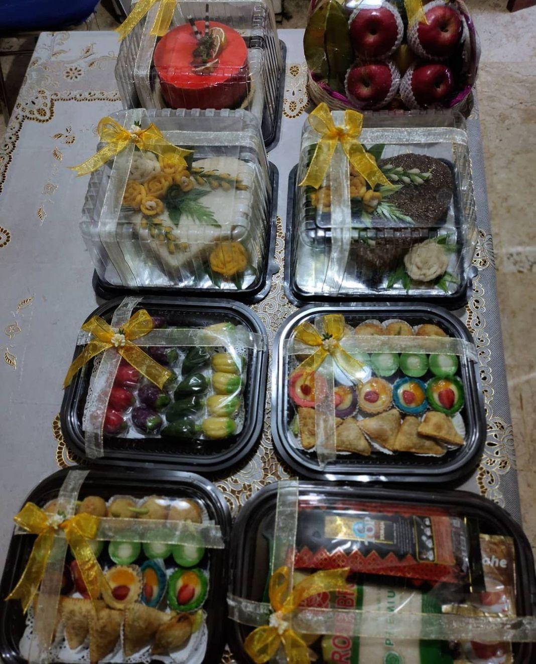 """Paket """"Serasi""""  #hantaranlamaransurabaya #hantarankuesidoarjo #kuebasahsidoarjo …"""