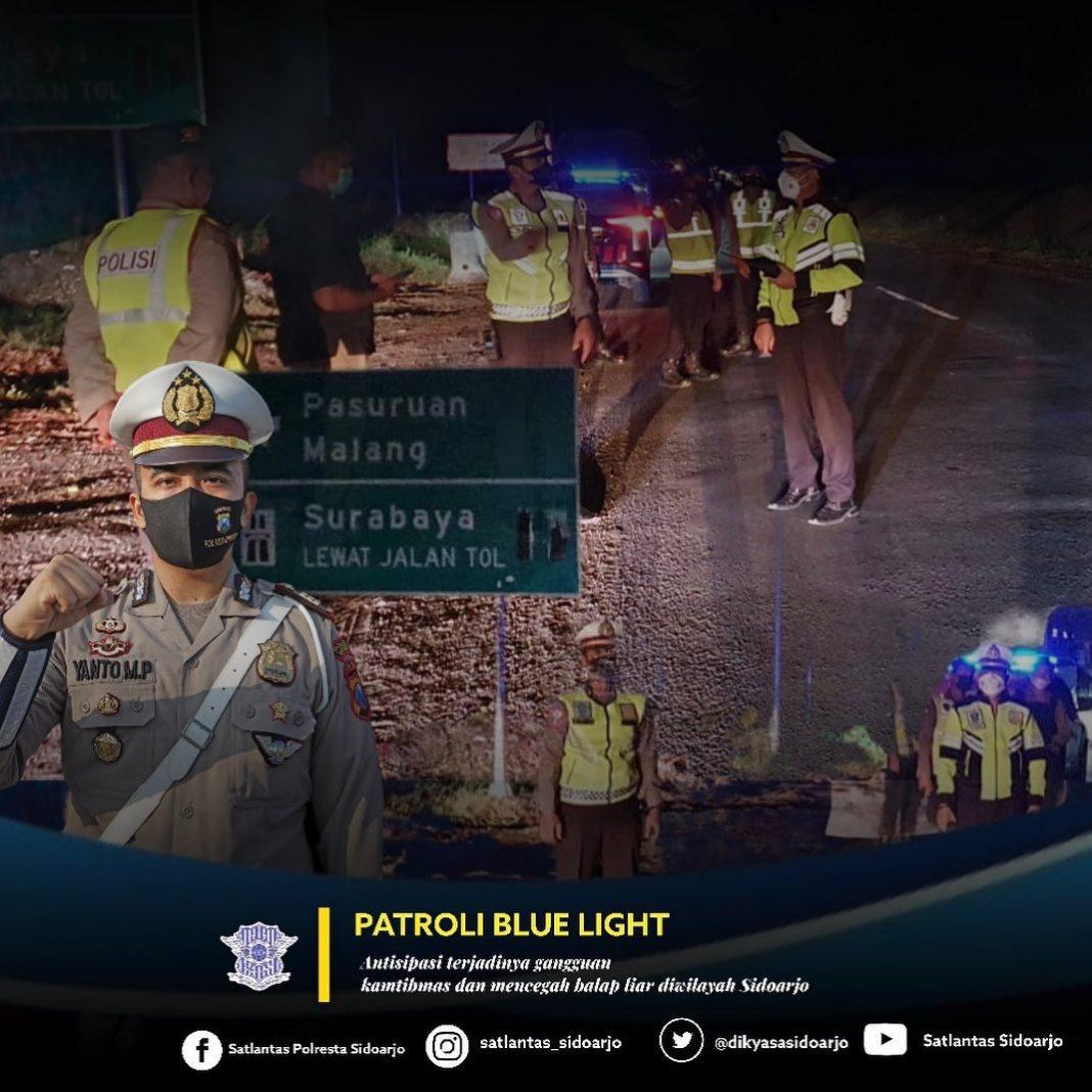 """PATROLI """"BLUE LIGHT"""" CEGAH BALAP LIAR  satlantas_sidoarjo, dalam rangka jaga situasi serta kon…"""